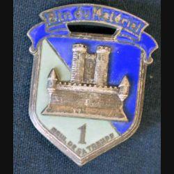 1° BM : insigne métallique du 1° bataillon du matériel de fabrication Drago Paris G. 1775 en émail