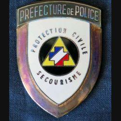 POLICE : insigne métallique de la protection civile secourisme de la Préfecture de Police
