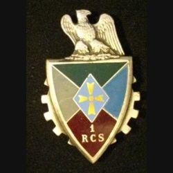 1° RCS : insigne métallique du 1° régiment de commandement et des services  de fabrication Drago G. 2606 dos guilloché centre plat