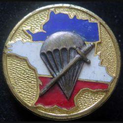 1° BPC : insigne du 1° bataillon parachutiste de choc de fabrication Drago Paris G. 455 en émail 2 boléros