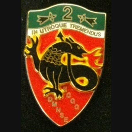 CHASSEURS : insigne métallique du 2° régiment de chasseurs ECQG DMNSE de fabrication Boussemart