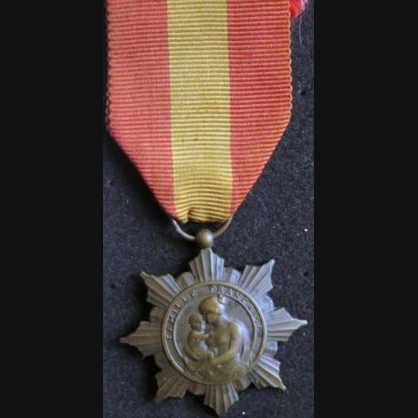 FRANCE :  médaille de la famille française la Patrie reconnaissante en bronze