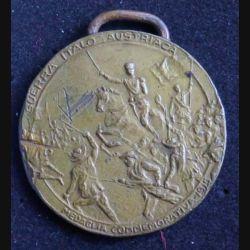 ITALIE :  médaille commémorayive de la giuerre contre l'Autriche 1915 medaglia comemorativa 1915 guerra italo austriaca trento e triste italiane