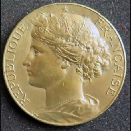 MEDAILLE : médaille de la République Française de diamètre 37 mm en bronze