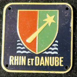 1° armée française Rhin et Danube alu sérigraphié, jaune, 31 X 31 mm