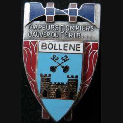 POMPIERS : insigne métallique des pompiers de Bollene de fabrication Ballard sur son cuir (1)