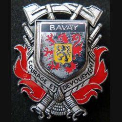 POMPIERS : insigne métallique des pompiers de Bavay de fabrication Ballard sur son cuir (4)
