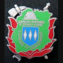 POMPIERS : insigne métallique des pompiers d'Epinay Sur Orge de fabrication Ballard sur son cuir hache argentée (5)