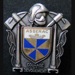 POMPIERS : insigne métallique des pompiers d'Asserac de fabrication Ballard sur son cuir (5)