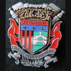 POMPIERS : insigne métallique des pompiers de Juvisy de fabrication Ballard sur son cuir (5)
