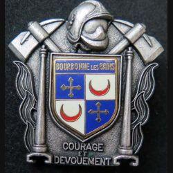POMPIERS : insigne métallique des pompiers de Bourbonne les Bains de fabrication Ballard sur son cuir (7)