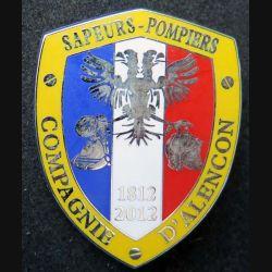POMPIERS : insigne métallique des pompiers de la Compagnie d'Alençon de fabrication Ballard sur son cuir (7)
