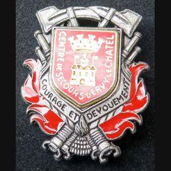 POMPIERS : insigne métallique des pompiers d'Ervy Le Chatel (centre de secours) de fabrication Ballard sur son cuir (9)