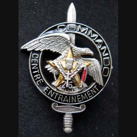 CEC 26° RI : insigne métallique du centre d'entrainement commando du 26° régiment d'infanterie de fabrication Ballard G. 2548