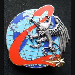 44° RT : insigne métallique de la 2° compagnie RECA de reconnaissance électronique et de combat de l'avant du 44° régiment de transmission de fabrication Ballard aigle en relief