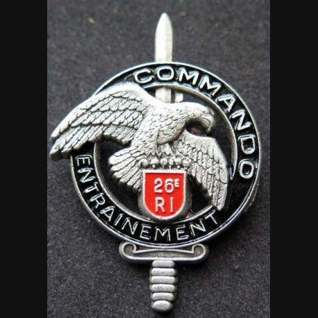 CEC 26° RI : insigne métallique du centre d'entrainement commando du 26° régiment d'infanterie  de fabrication Ballard GS 31 numéroté