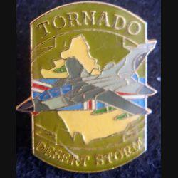 DESERT STORM : pin's métallique de l'avion Tornado de fabrication Sesa