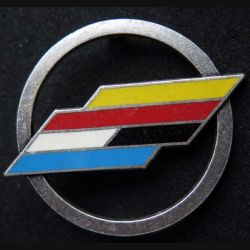 BFA : Insigne métallique de béret de la brigade franco allemande de fabrication Ballard