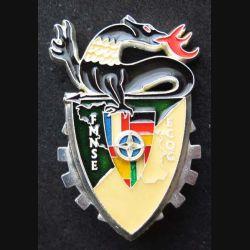 17° RCS : Insigne métallique de l'escadron de commandement de quartier général ECQG de la Force multinationale Sud Est FMNSE de fabrication Ballard modèle prestige argenté
