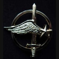 COMMANDOS AIR : insigne métallique de béret des commandos de l'air de fabrication Ballard