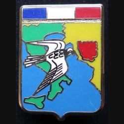 AIR : insigne métallique du détachement de l'armée de l'air en Yougoslavie opération Crécelle de fabrication Ballard numéroté 490