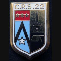 CRS 22 : insigne métallique de la compagnie républicaine de sécurité n° 22 de fabrication Ballard doré