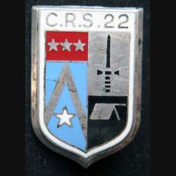 CRS 22 : insigne métallique de la compagnie républicaine de sécurité n° 22 de fabrication Ballard argenté