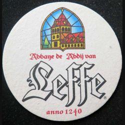 DESSOUS DE VERRE A BIÈRE : Dessous de verre à bière Leffe de diamètre 10,3 cm