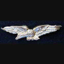 insigne de calot de l'armée de l'Air  en métal doré embouti