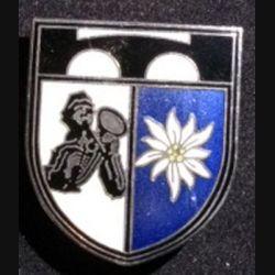 ALLEMAGNE : insigne du 8° bataillon du génie de montagne de fabrication Zihn en émail