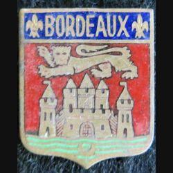 BLASON BORDEAUX : insigne métallique ancien blason en émail de la ville de Bordeaux 23 x 27 mm