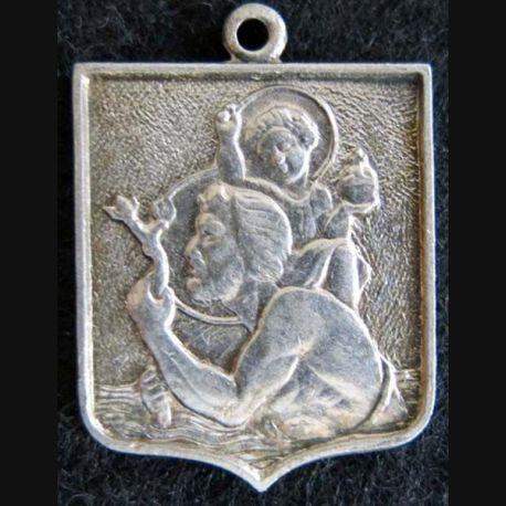 blason en  métal cuivré de Saint Chrisophe 22X30 mm avec anneau de suspension