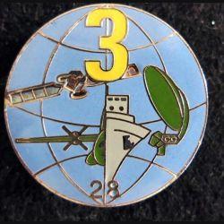 28° RT : insigne de la 3° compagnie du 28° régiment de transmissions de fabrication JMM 3 jaune