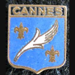 blason en émail de la ville de Cannes 11 x 13 mm