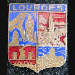 Blason en émail de la ville de Lourdes 22 x 27 mm