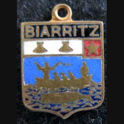 blason en émail de la ville de Biarritz 11 x 16 mm avec anneau de suspension