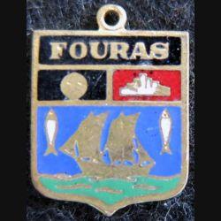 blason en émail de la ville de Fouras 14 x 20 mm doré