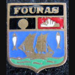 blason en émail de la ville de Fouras 14 x 16 mm cuivré