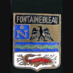 Blason en émail de la ville de Fontainebleau 11 x 14 mm doré