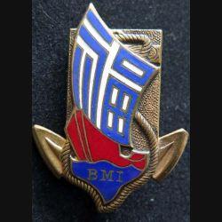 BMI : insigne métallique du bataillon de marche indochinois Drago Olivier Métra en émail