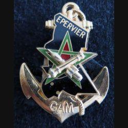 RICM : insigne métallique du 2° escadron du régiment d'infanterie chars de marine GAM Epervier de fabrication Balme