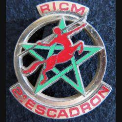 RICM : insigne métallique du 2° escadron du régiment d'infanterie et chars de marine de fabrication Drago Paris