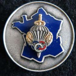 CNIP : insigne métallique de la section de saut en vol du centre national d'instruction parachutiste de fabrication Drago Paris