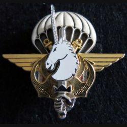 LICORNE :  insigne métallique de l'opération LICORNE République de Côte d'Ivoire Y.Boussemart  2002