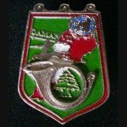 CHASSEURS : insigne métallique du 3° escadrton du 2° régiments de chasseurs opération Daman VII° mandat Liban de fabrication locale