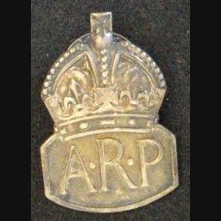 Insigne de béret anglais de l'A.R.P AIR RAID PRECAUTIONS 1936 en argent de hauteur 3,8 cm (L 24)