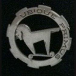 1° RCA : insigne du 1° régiment de chasseurs d'Afrique UBIQUE PRIMUS de fabrication anglaise 40 mm (L6)