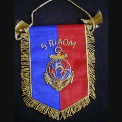 5° RIAOM : fanion du 5° régiment inter armes d'outre mer en cannetille de très belle fabrication (C168)