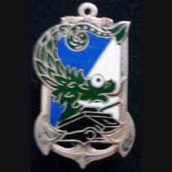 ABCEO : insigne métallique du commandement de l'arme blindée en extrême orient de fabrication Courtois vert foncé (L194)