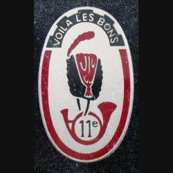 11° RCH : insigne métallique du 11° régiment de chasseurs de fabrication Balme G. 3598